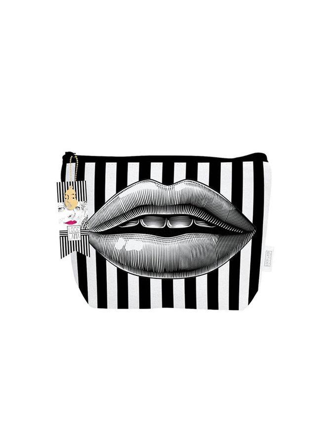 LOCO LAMA  Make-Up Bag Dare