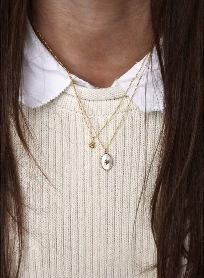 Necklace mother of pearl oval- A la Collection