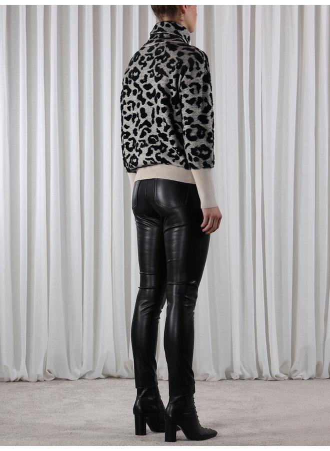 Naura Turtle Neck Sweater - Sand Leopard