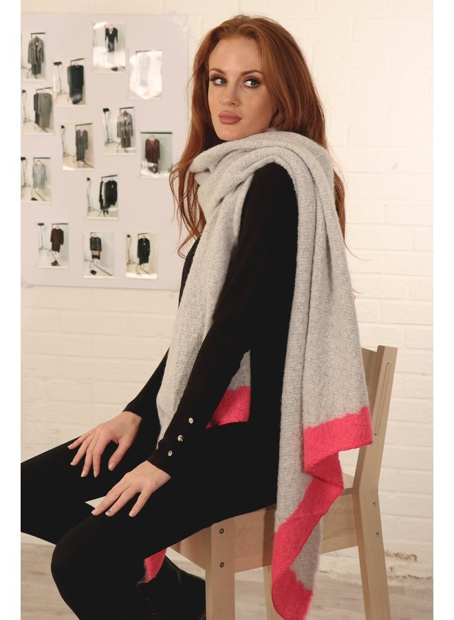 Diagonal Edge Scarf - Lt Grey Fushia
