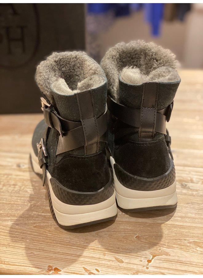 Mochi Boot