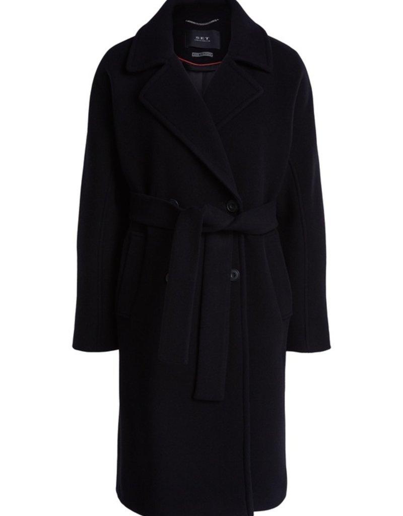 SET FASHION Premium wool coat with kimono sleeves