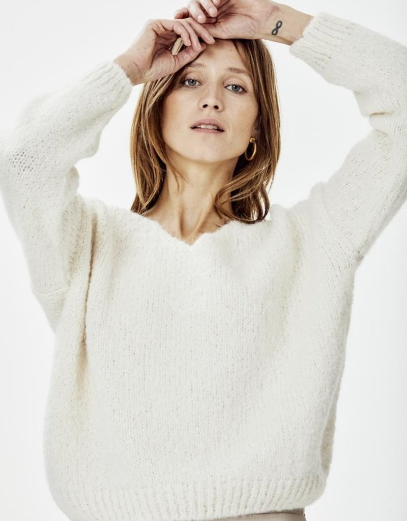 KNITTED BEGONIA PULLOVER IVORY