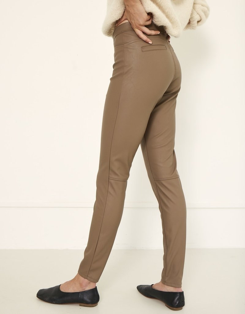 KNITTED AMBER PANTS SAND