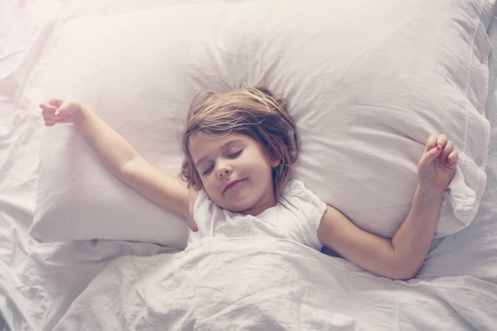 Dít is waarom je 's ochtends met slaapzand in je ooghoeken wakker wordt