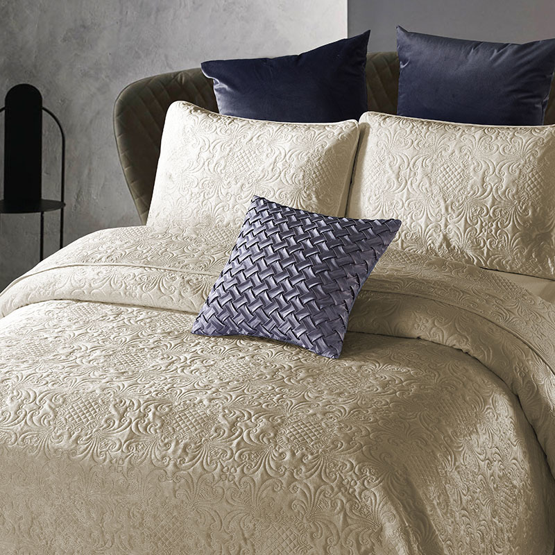 DreamHouse Bedding Bedsprei - Velvet Clara - Zand 180 x 250 cm