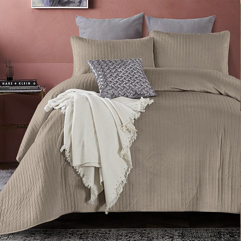 DreamHouse Bedding Bedsprei - Texas - Taupe 180 x 250 + 1 kussensloop