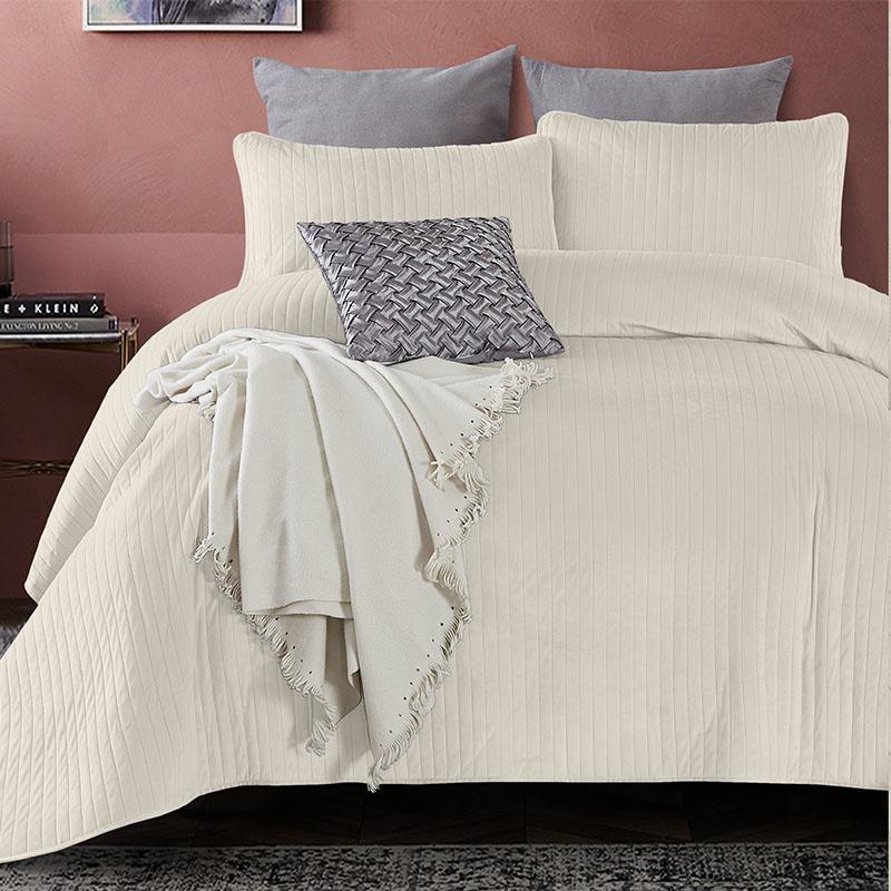 Bedsprei - Texas - Creme DreamHouse Bedding Effen 180 x 250 + 1 kussensloop - Ga naar Dekbed-Discoun