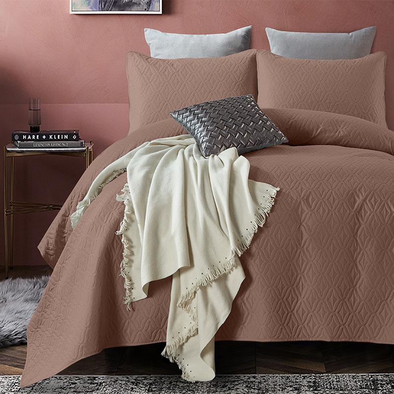 DreamHouse Bedding Bedsprei Madison - Bruin 260 x 250 + 2 kussenslopen