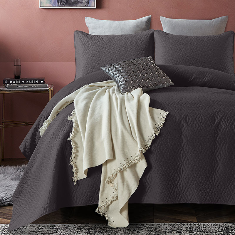 DreamHouse Bedding Bedsprei Madison - Antraciet 180 x 250 + 1 kussensloop