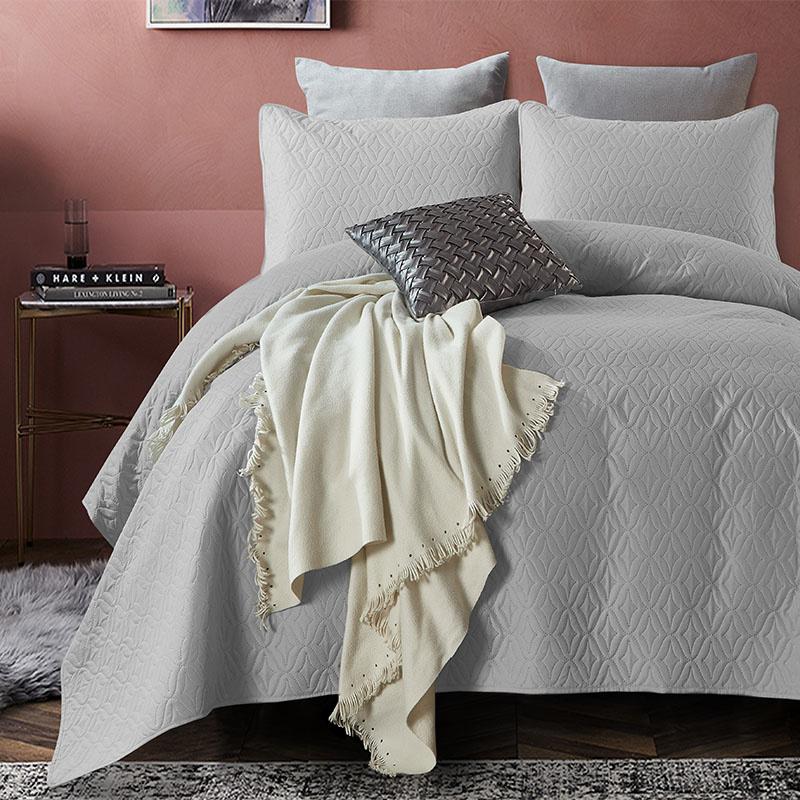 Bedsprei Madison - Grijs DreamHouse Bedding Patroon 180 x 250 + 1 kussensloop - Ga naar Dekbed-Disco
