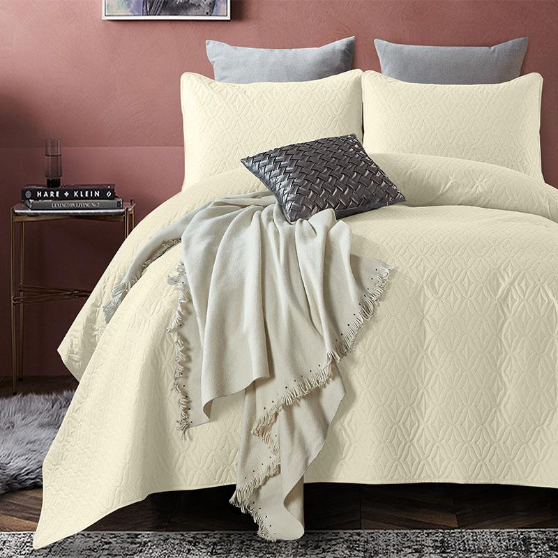 DreamHouse Bedding Bedsprei Madison - Creme 180 x 250 + 1 kussensloop