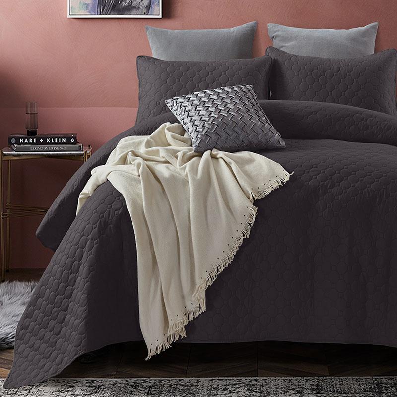 DreamHouse Bedding Bedsprei Fremont - Antraciet 180 x 250 + 1 kussensloop