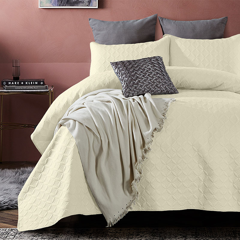 DreamHouse Bedding Bedsprei Florida - Creme 180 x 250 + 1 kussensloop