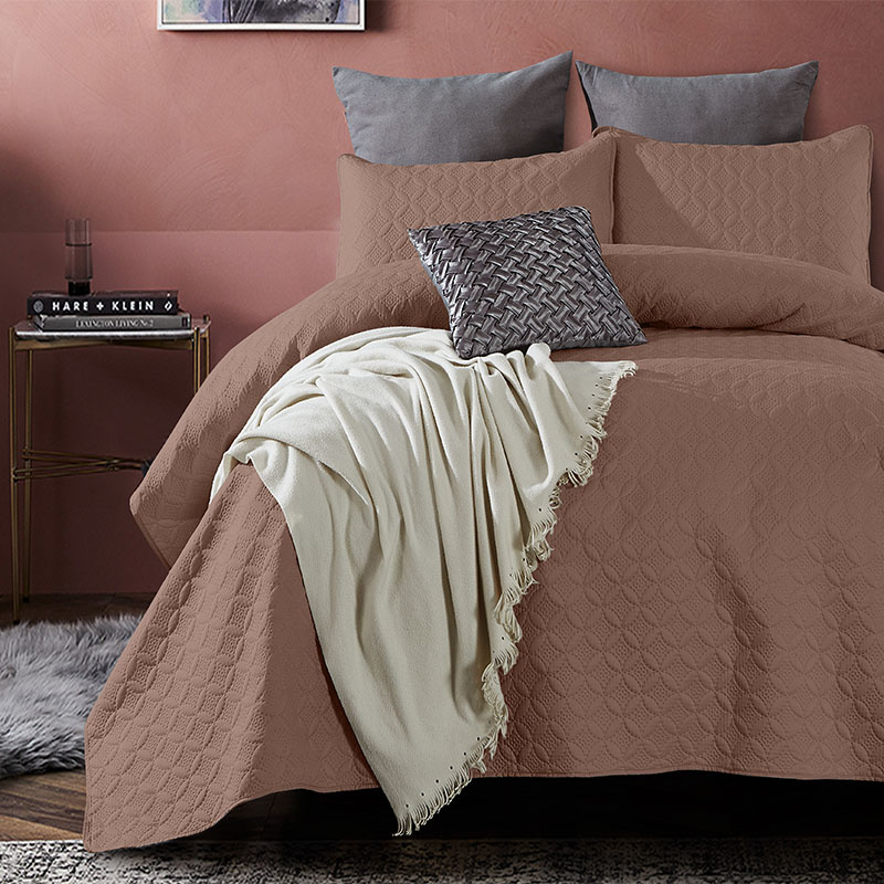 DreamHouse Bedding Bedsprei Florida - Bruin 180 x 250 + 1 kussensloop