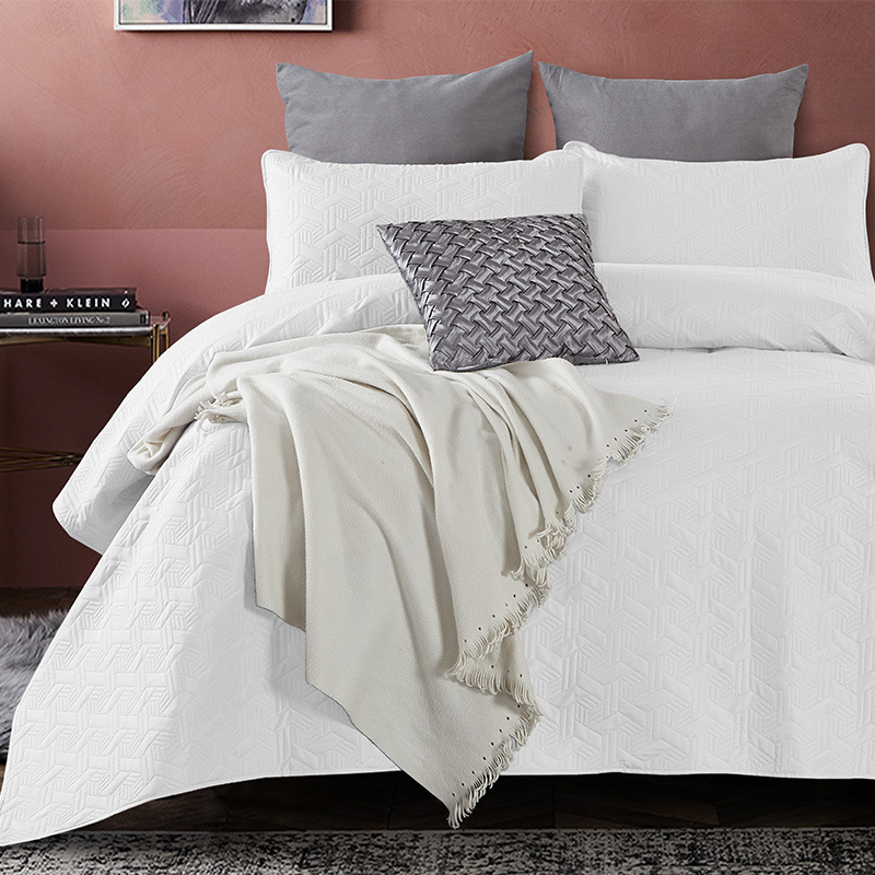 DreamHouse Bedding Bedsprei - Baltimore - Wit 260 x 250 + 2 kussenslopen