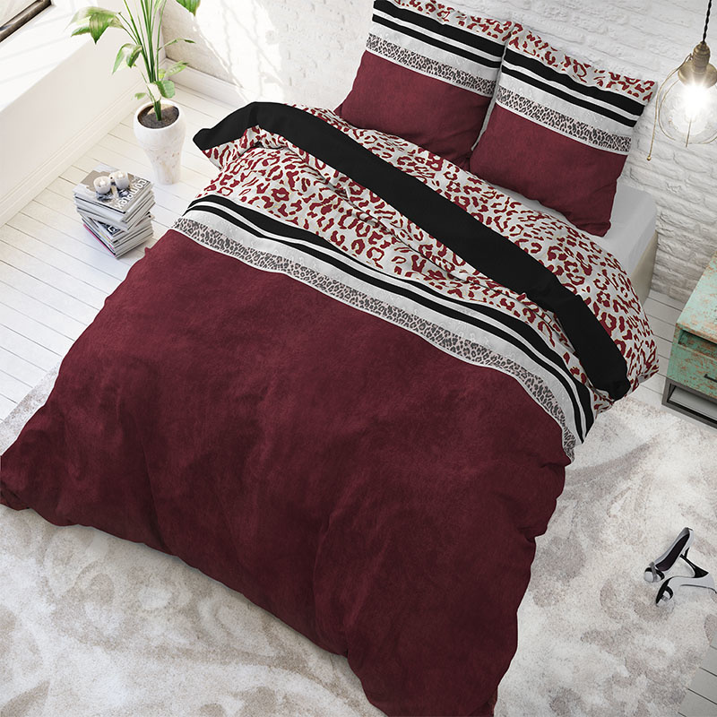 Sleeptime Elegance Thanas - Rood 2-persoons (200 x 200/220 cm + 2 kussenslopen)