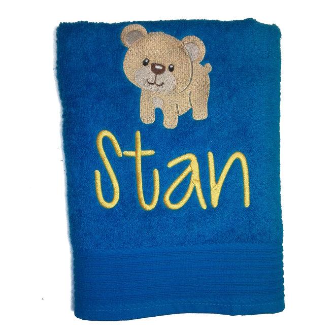 Handdoek met geborduurde naam en figuurtje