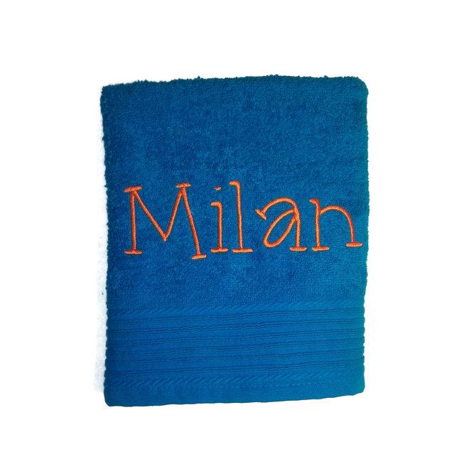 Handdoek met geborduurde naam