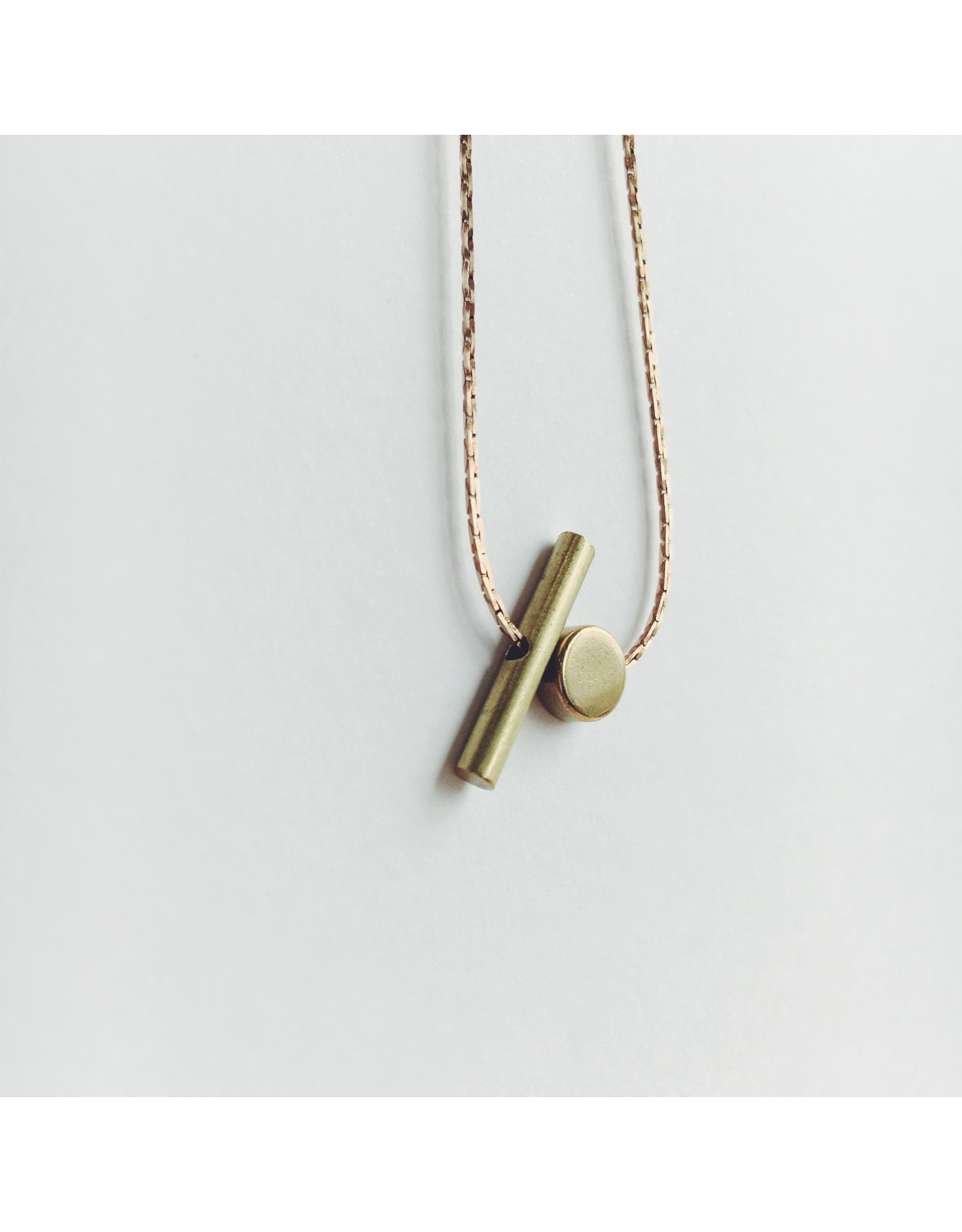 Brass Pill and Cylindrical Bar Necklace lim/003
