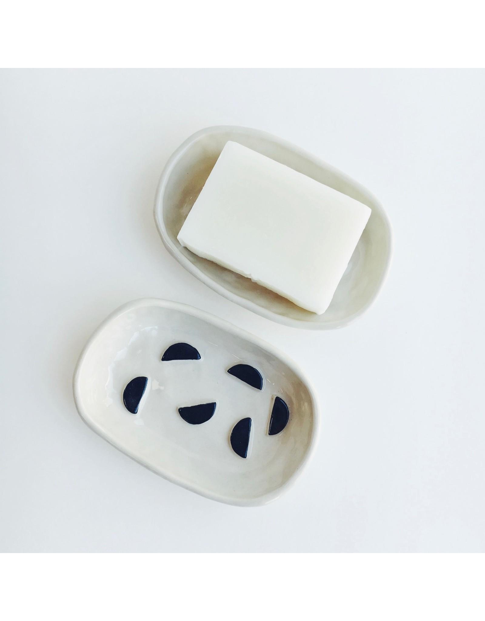 Monochrome Ceramic Soap Dish