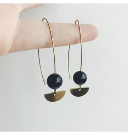 Brass Wire Earrings - Semi Circle & Onyx Bead