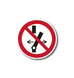 safety-signs.nl P031 - Niet schakelen