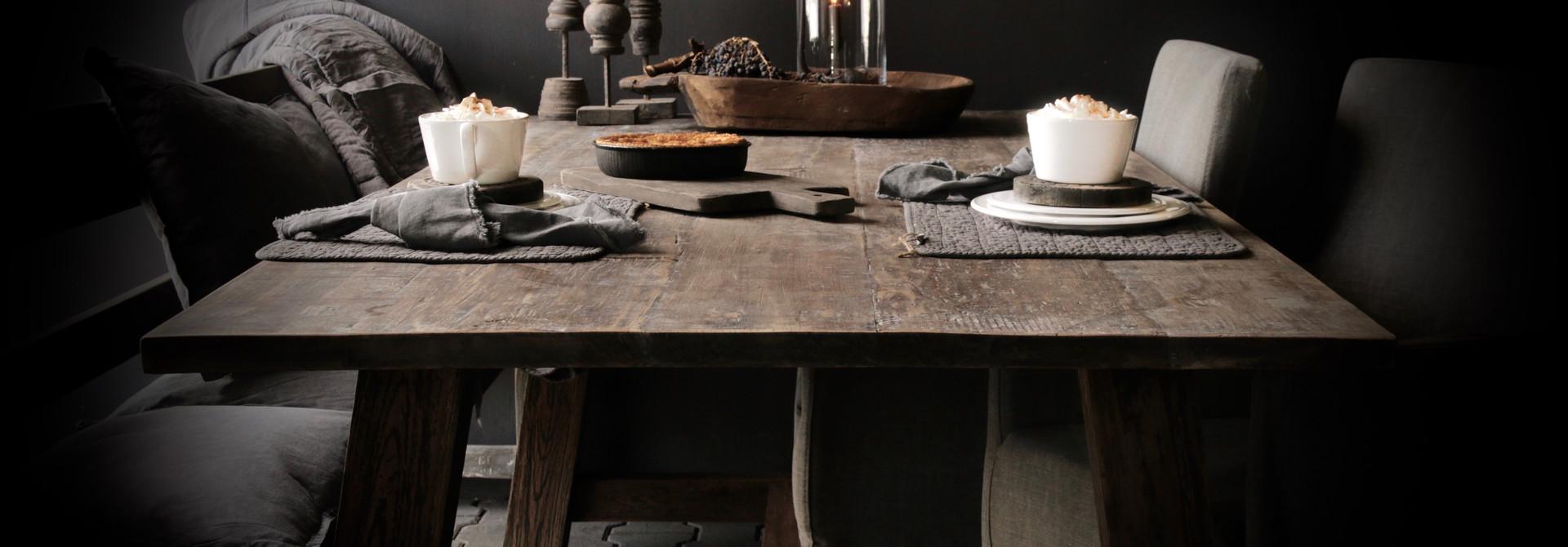 Landelijk wonen interieur tafel Eettafels