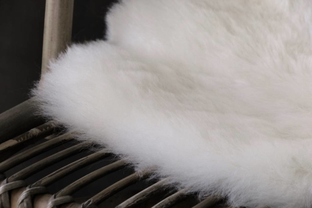 Very soft Sheepskin Creamy white-3