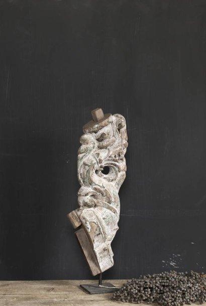 Oud Uniek Ornament op ijzeren voet