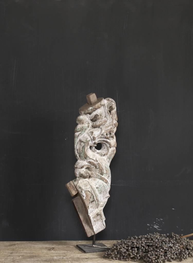Oud Uniek Ornament op ijzeren voet-1