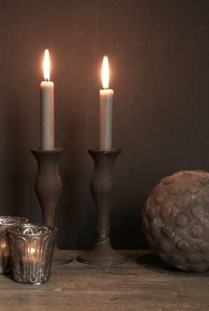 Kerzenhalter aus Gusseisen