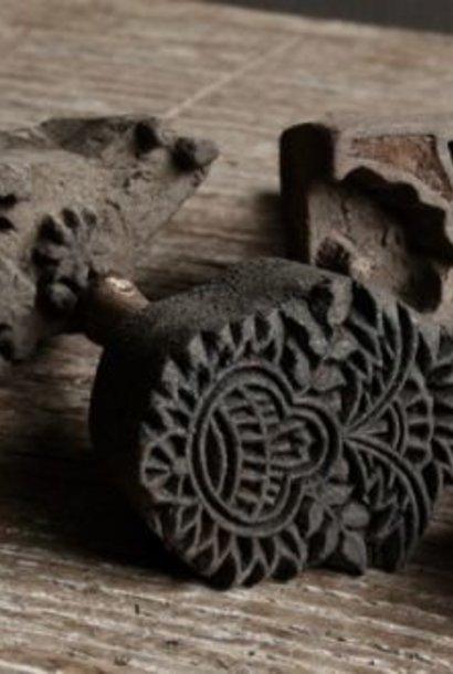 Assortie van 6 stuks kleine oude Batik stempeltjes