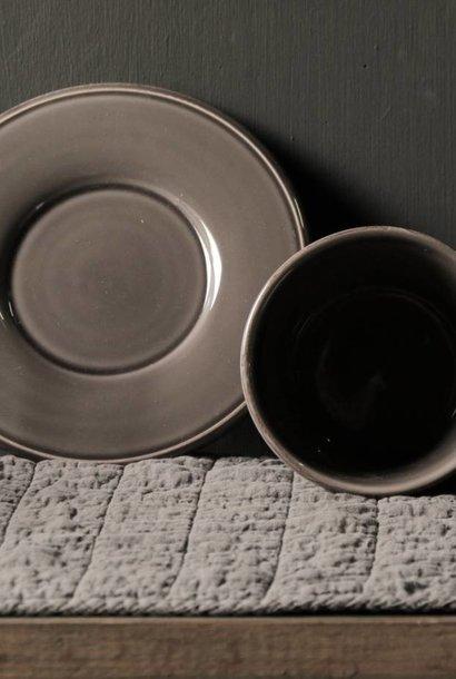 Tasse und Untertasse Cote Table Pfeffer