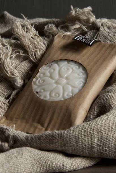 Schijf 70 gram Batik zeep parfum mille fleur verpakt