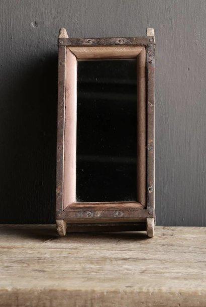 Steenmal/Brickmold Spiegeltje