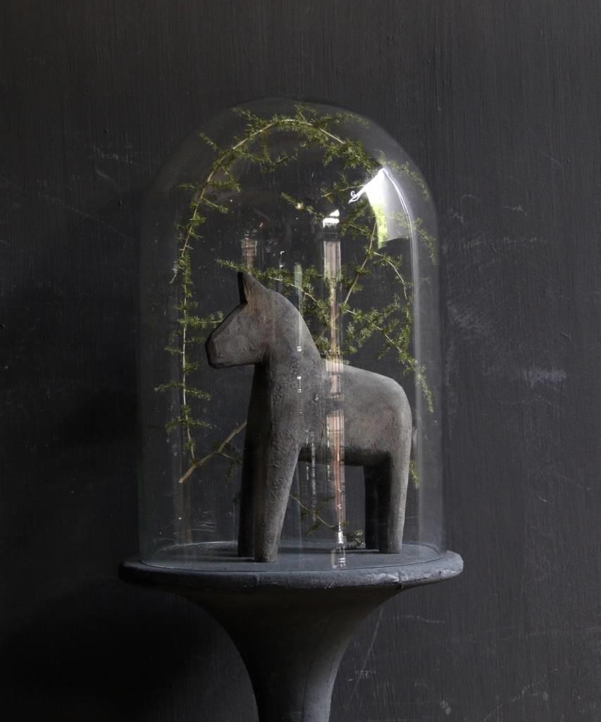 Glocke mit Holzsockel mit grauer Leine bedeckt-2