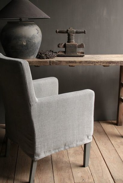 Dining room chair with loose linen cover