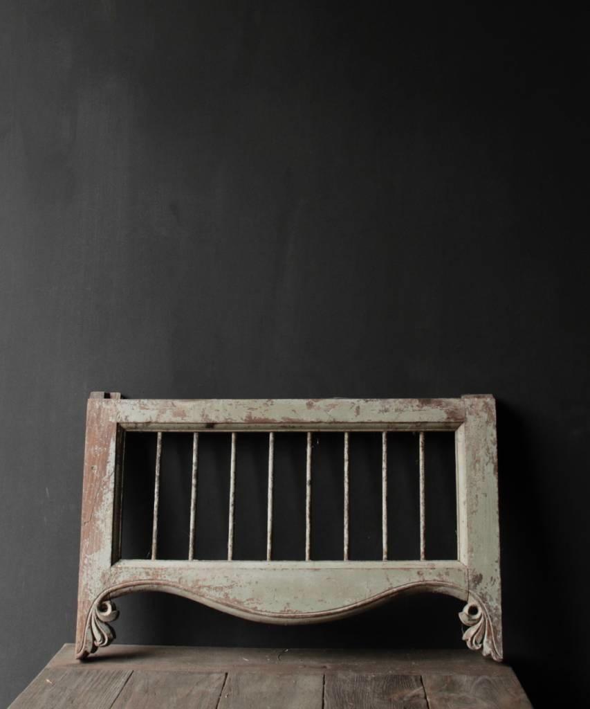 Oud Indisch houten  Raam met ijzeren spijlen-1