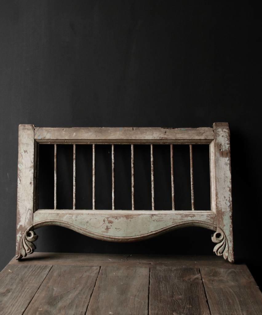 Oud Indisch houten  Raam met ijzeren spijlen-5