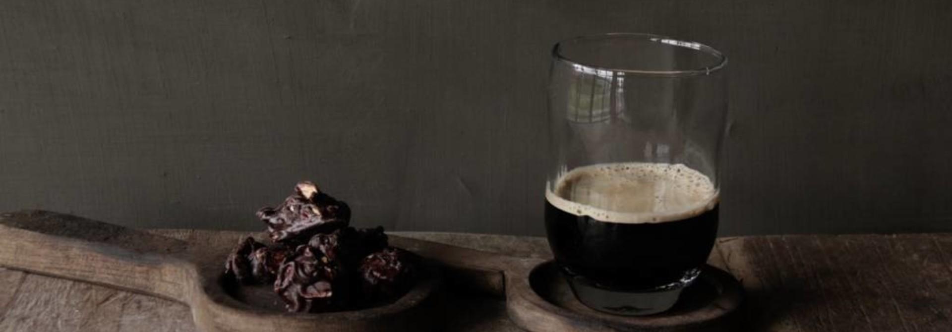 Helder drinkglas met deuk PTMD