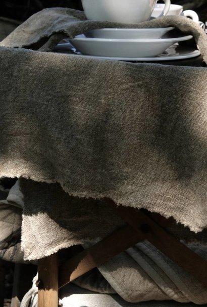 Tough linen placemat