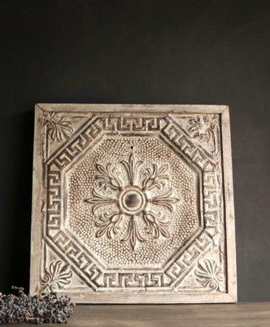 Aura peeperkorn Prachtig oud ijzeren plafond  wandpaneel ingelijst in houten lijst