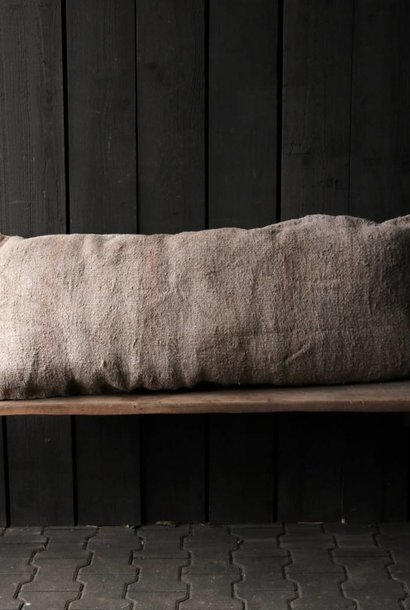 Beautifully tough coarsely woven cushion