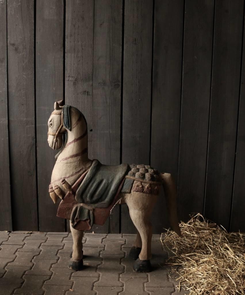 Groot houten paard in vergrijsde kleuren-3