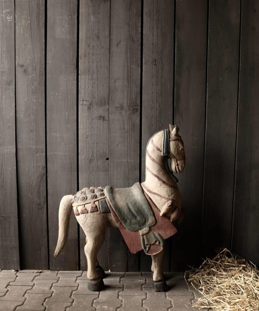 Groot houten paard in vergrijsde kleuren-4