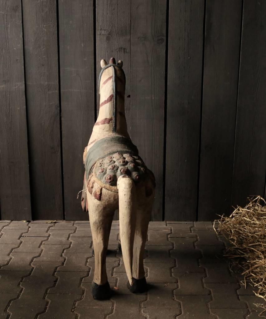 Groot houten paard in vergrijsde kleuren-6
