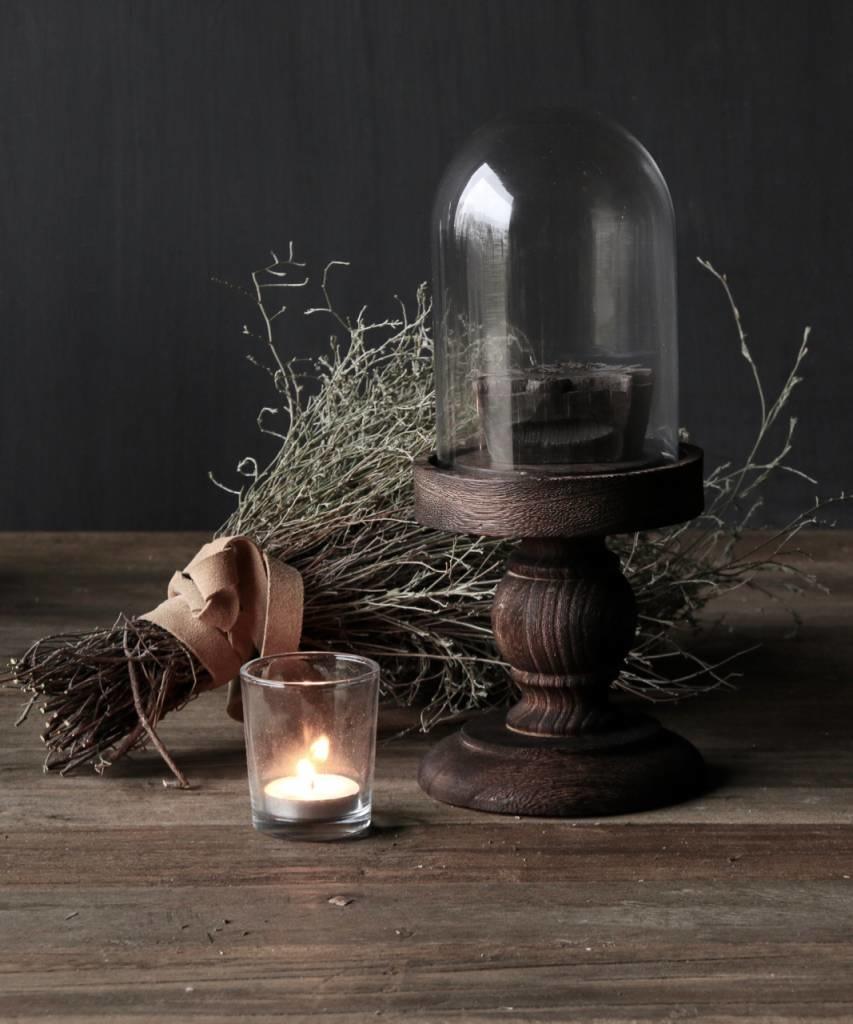 Schattig klein stolpje op bruin houten hoog voetje-1