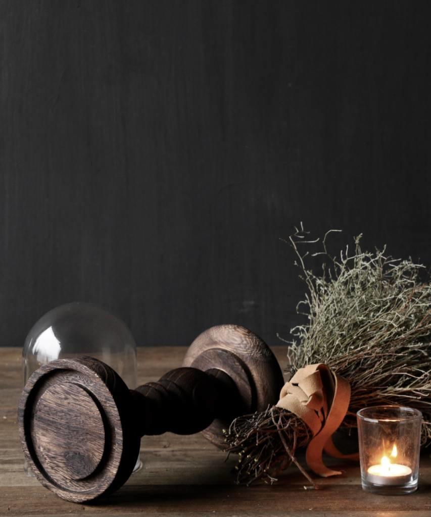 Schattig klein stolpje op bruin houten hoog voetje-3