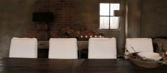 Grote eetkamer tafel met donker driftwood blad en ijzeren onderstel-3